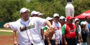 Inaugura el gobernador Roberto Borge la liga estatal de Beisbol de Quintana Roo