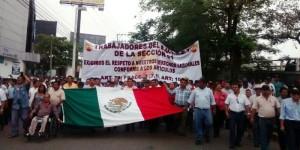 Incumple Centro pago a trabajadores y marchan