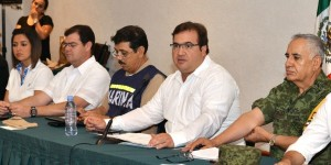 Asiste Javier Duarte a sesión extraordinaria del Consejo Estatal de Protección Civil