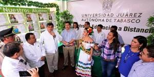 Presenta UJAT oferta de educación a distancia en la Feria Jalapa 2014