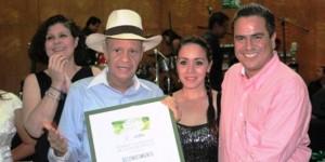Reconoce Joaquín Caballero trayectoria de periodistas de Coatzacoalcos