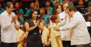 Asiste Javier Duarte de Ochoa al concierto debut de la Orquesta Sinfónica Esperanza Azteca Coatzacoalcos