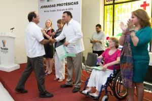Recuperan movilidad 14 yucatecos gracias a apoyo médico