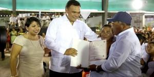 Regularizan su unión mil 370 parejas en Tizimín Yucatán