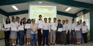 Reconocen en la UJAT a ganadores de la XXIV Olimpiadas de Física