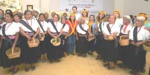 Muestran abuelos indígenas, tradiciones musicales a xalapeños