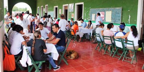 ACERCAN SERVICIOS A MIGRANTES YUCATECOS