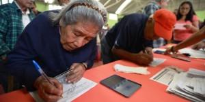 Continúa DIF Veracruz con el pago de pensión alimenticia a los adultos mayores