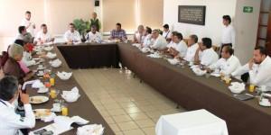 Contaran Taxistas en Coatzacoalcos con un padrón seguro: Joaquín Caballero
