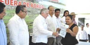 Entrega Gobierno de Tabasco apoyos a sectores pecuario y pesquero de Centla