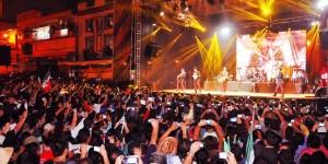 Miles de veracruzanos disfrutaron la presencia de Los Tigres del Norte en el grito de Independencia