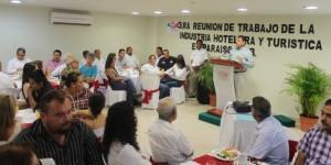 Concreta alcalde estrategias para elevar calidad y servicio turístico en Paraíso