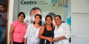 Altruismo permanente de Martha Elena Martínez de De los Santos en Centro