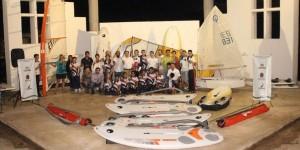 Entregan material Deportivo a la Asociación de Vela en Quintana Roo