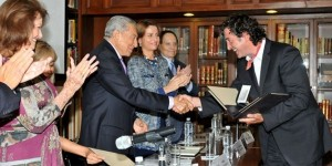 Galardonan a Cumbre Tajín con el Premio a la Excelencia Turística 2014