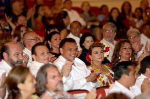 Asiste Gobernador de Yucatán a la obra de danza clásica