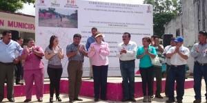 Inician obras de rehabilitación de drenaje sanitario en villa El Triunfo
