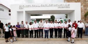 """Inaugura el gobernador la secundaria """"Carlos  Monsiváis"""" en Cozumel"""