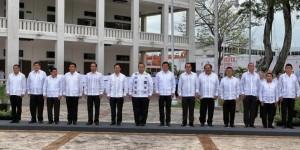Encabeza el gobernador Roberto Borge ceremonia de izamiento en el 40 Aniversario de Quintana Roo