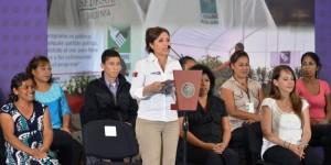 En Veracruz, se cumplen los compromisos sociales: Rosario Robles