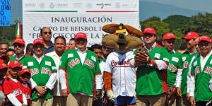 Inaugura gobernador Javier Duarte Campo de Beisbol Infantil en Yanga