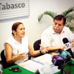 Ayuntamiento de Teapa, Gobierno del Tabasco y Secretaría de Economía entregan apoyos