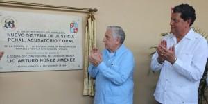 Inauguran Jorge Carrillo Jiménez y Arturo Núñez Jiménez sala de juicio oral región