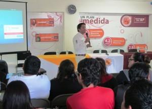 Jóvenes universitarios reciben herramientas para la búsqueda de empleo en Yucatán