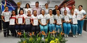 Egresa primera generación en Rehabilitación y Atención Prehospitalaria de la UJAT