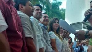 Acompaña Alejandro Moreno a precandidatos del PRI en su registro como diputados locales en Campeche