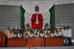 Fortalece Congreso de Tabasco la vida democrática con atención a estudiantes