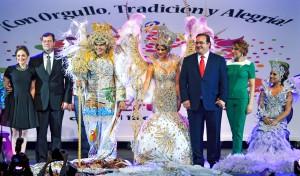 Corona gobernador Javier Duarte a los Reyes del Carnaval 2015