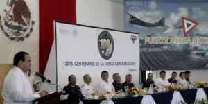 Asiste el gobernador en Cozumel al festejo del Centenario de la Fuerza Aérea Mexicana