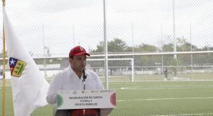 Entrega el gobernador Roberto Borge cancha de futbol 7 en Puerto Morelos