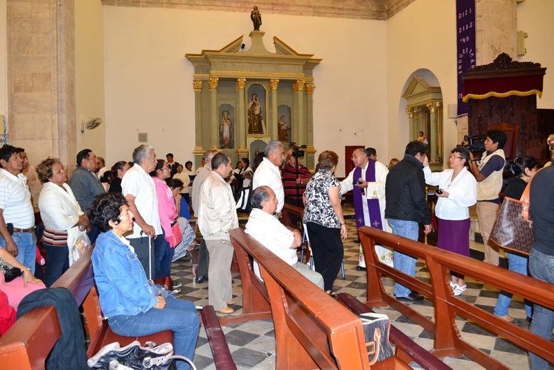 cruz de ceniza en iglesias de campeche