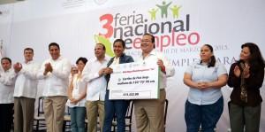 Inauguran Javier Duarte y Alfonso Navarrete Prida Tercera Feria Nacional del Empleo, en Veracruz