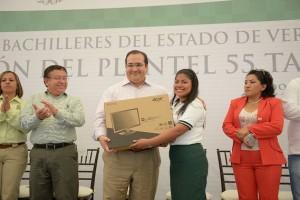 Veracruz invierte en educación para superar rezagos y acceder a una vida justa: Javier Duarte