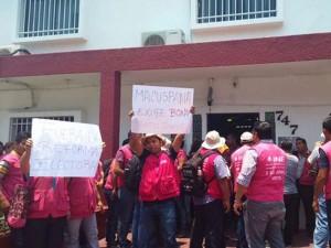 En riesgo elecciones por descontento de capacitadores electorales en Tabasco