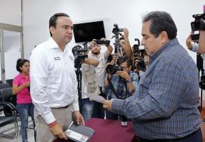 Presenta Nerio Torres Arcila solicitud de debate al IEPAC