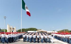 Soldados, marineros y voluntarias del SMN juran bandera en Yucatán
