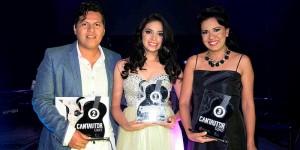 Gana Alejandra Banda Concurso Cantautor de la UJAT