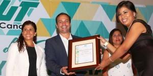 Atestigua Paul Carrillo graduación de alumnos de la UT Cancún