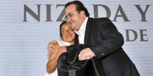 Entrega Javier Duarte apoyos de FONDEN en Xalapa