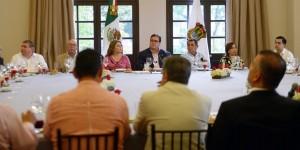 Se reúne Javier Duarte con diputados locales