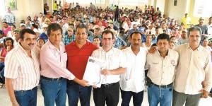 Gestiona Pepe Yunes 60 mdp para pescadores veracruzanos