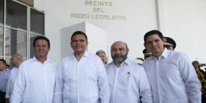 Celebran última sesión legislativa en el salón del pleno Congreso de Yucatán