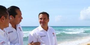 Refuerza Paul Carrillo limpieza de playas en Cancún
