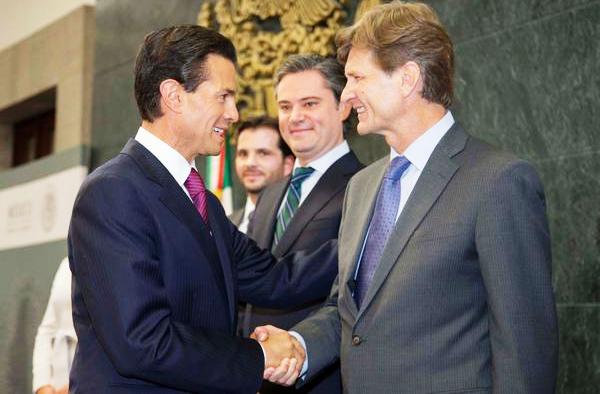 Enrique de la Madrid y EPN nombramiento