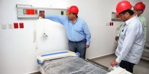 Supervisa el gobernador el nuevo hospital comunitario de Isla Mujeres, próximo a inaugurar