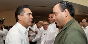 Asiste Roberto Borge a la toma de protesta de Alejandro Moreno Cárdenas gobernador de Campeche
